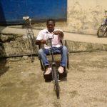 Au-delà du luxe, un tricycle pour le droit à l'existence
