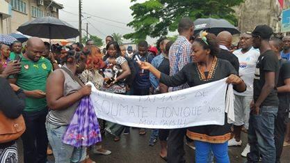 Manifestants à Douala