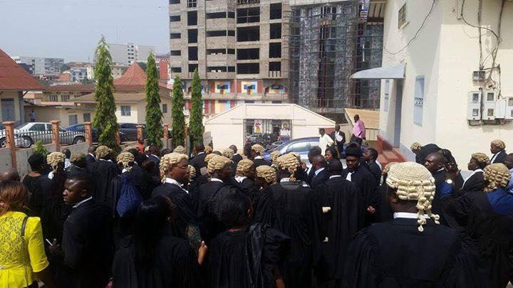 Les avocats venus soutenir les organisateurs du ghost tonwn