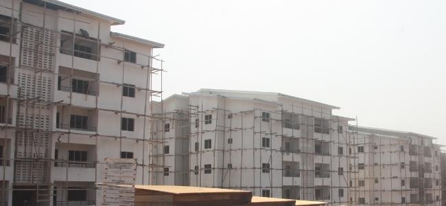 Logements sociaux en construction à Yaoundé