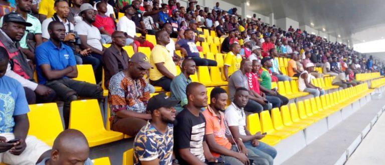 stade-omnisports-bepanda-douala-matango-club-tribune