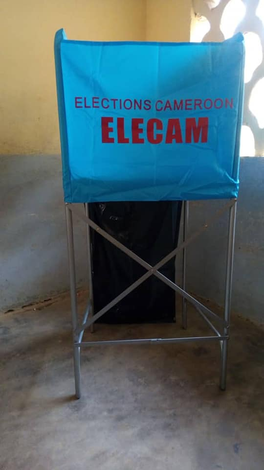 election-au-camerou-handicape-escaliers-douala-matango-club-27