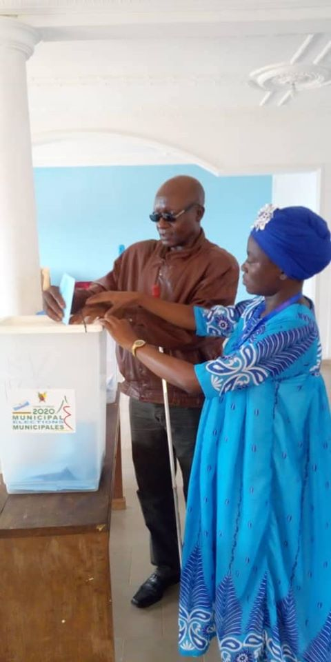 election-au-camerou-handicape-escaliers-yaounde-matango-club-18